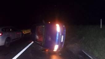 Ein Lernfahrer musste in Hendschiken einem Reh ausweichen und landete mit dem PW auf der Seite. Hätte der Beifahrer den Unfall verhindern können?