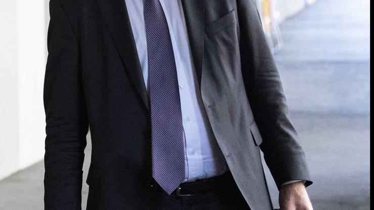 Geht er, oder bleibt er Bundesrat? Ueli Mauer im August in Bern. (KEYSTONE/ Peter Schneider)