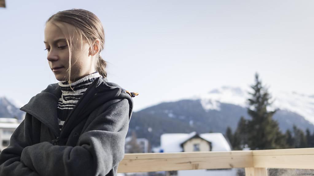 Von den «paar Dämonen am Forum» nicht mehr erwartet: Klimaaktivistin Greta Thunberg vor der Kundgebung in Davos.