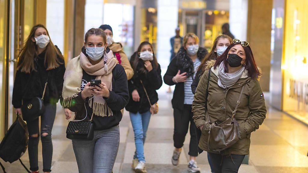 Kommt in der Schweiz nun eine generelle Maskenpflicht?
