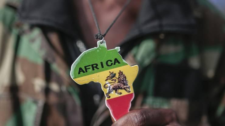 Migration aus Afrika sei im Interesse der Schweiz, sagt Caritas Schweiz: Um künftige Lücken im Arbeitsmarkt, so etwa im Pflegebereich, schliessen zu können. (Archivbild)