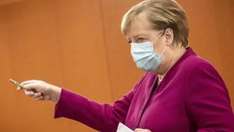 Bundeskanzlerin Angela Merkel warnte vor wenigen Wochen, dass die Lage bis Weihnachten mit über 19.000 Ansteckungen pro Tag aus dem Ruder laufen könne.