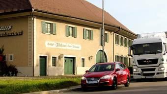 Eine Klage des ehemaligen Besitzers des Restaurants Fährhaus blockiert nach wie vor den Ausbau der Bundesstrasse Waldshut–Tiengen auf drei Spuren.