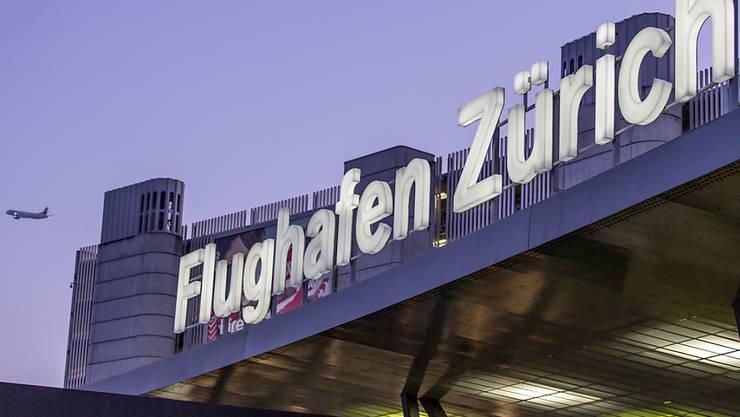 Der Flughafen Zürich hat im vergangenen Geschäftsjahr vom rekordhohen Passagieraufkommen profitiert. (Archiv)