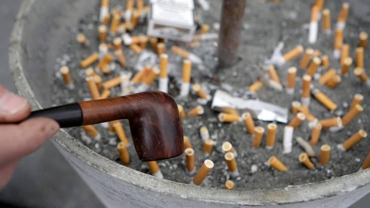 Werbung für Tabakprodukte soll im Internet und in der Presse erlaubt sein - sofern diese nicht für Minderjährige bestimmt sind. (Symbolbild)