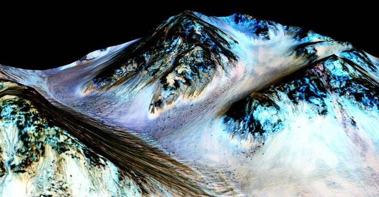 Das Foto zeigt 100 Meter lange Ströme auf der Oberfläche des Mars.