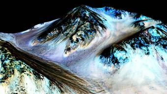Sonde findet Hinweise auf flüssiges Wasser auf dem Mars
