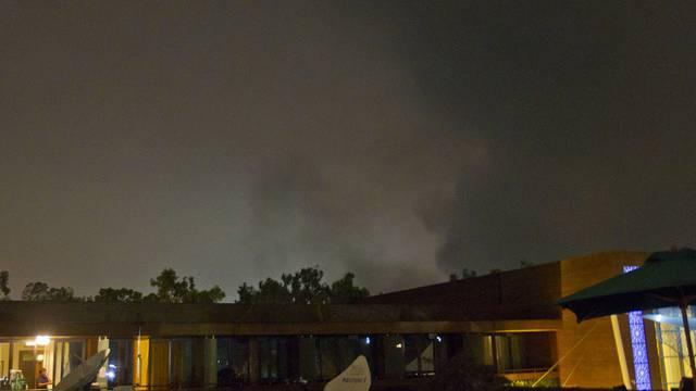 Rauch über Tripolis nach Nato-Luftangriffen (Archiv)