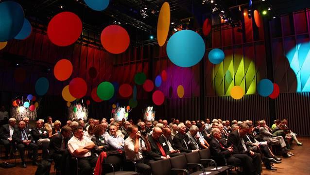 140 Gäste fanden sich zur Jubiläumsfeier der Consenec AG ein – unter ihnen alt Bundesrat Joseph Deiss und Regierungsrat Urs Hofmann.