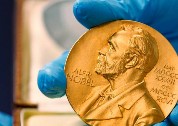 Kaum ein junger Forscher erhält eine der begehrten Nobelpreis-Medaillen: Das Durchschnittsalter von Nobelpreisträgern beträgt 59 Jahre.