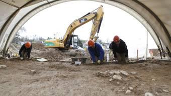 Derzeit gräbt ein Team der Kantonsarchäologie in Muhen.