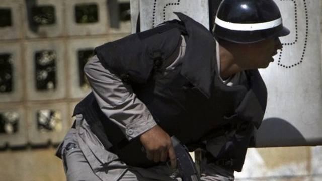 Ein Polizist der Dominikanischen Republik im Einsatz (Symbolbild)