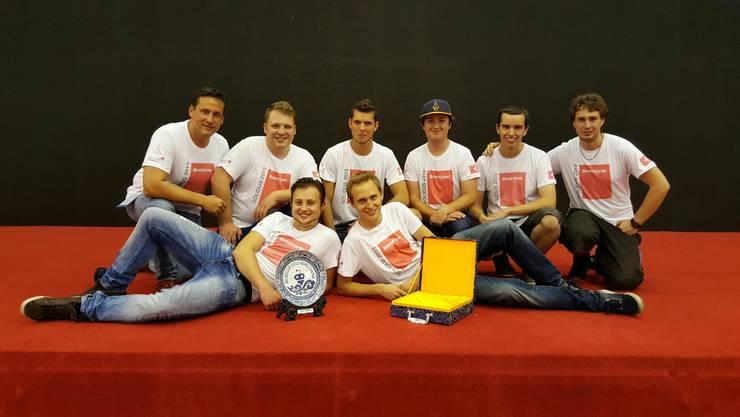 Hinten links nach rechts: Thomas Zürcher (Teambetreuer), Lukas Hofmann, Felix Bärtschi, Thomas Duppenthaler, Florian Gehrig, Bryan Schwengeler Vorne links nach rechts: Ken Kaufmann, Michael Johner