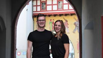 Tobias Krummenacher und seine Partnerin Désirée Sibold bangen um den Lockentopf-Hilfskoch Osman Mohammed.