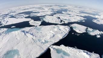 Dürfte je länger je weniger Eis haben: Der arktische Ozean. (Archiv)
