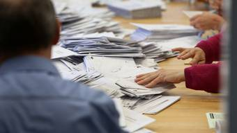 Kandidaten, die zugleich Mitglied des Wahlbüros sind, müssen in den Ausstand treten.