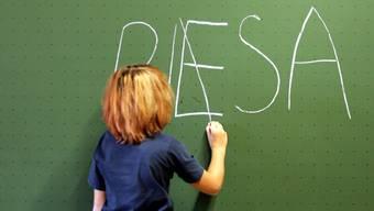 Der Lehrerdachverband LCH ist skeptisch gegenüber der aktuellen PISA-Studie. (Symbolbild)