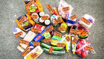Wocheneinkauf für 61.30 Franken: Das hat der 21-jährige Somalier Mohamed im Aldi und im Real Frischmarkt in Aarau gekauft.