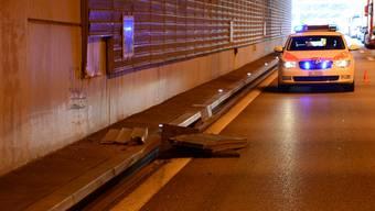 Am späten Donnerstagnachmittag ereigneten sich auf der Autobahn A2 im Gebiet Pratteln und Muttenz gleich zwei Verkehrsunfälle mit insgesamt acht beteiligten Fahrzeugen. (Symbolbild)