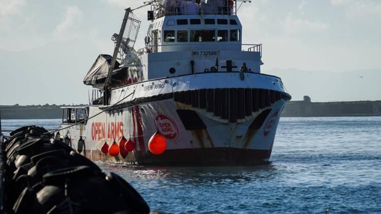 """Das Rettungsschiff """"Open Arms"""" hat am Donnerstag Dutzende Menschen aus Seenot gerettet. (Archivbild)"""