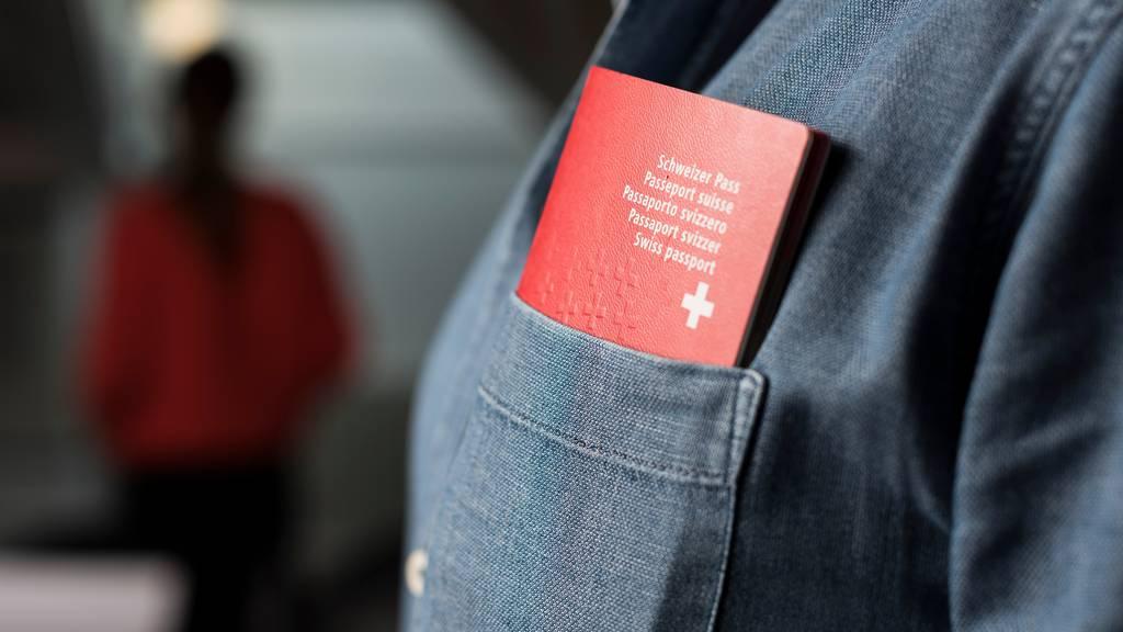 Einbürgerungen werden in Luzern für Junge gratis