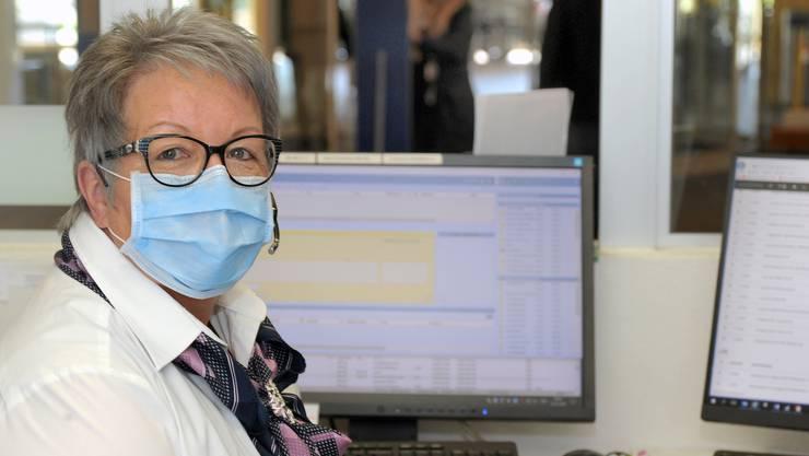 Seit Montag trägt Susanne Schneider einen Mundschutz zum Arbeiten.