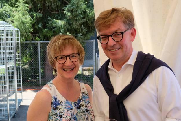 Benachbarte Finanzvorsteher: Die Urdorfer Lehrerin und Schlieremer Stadträtin Monika Stiefel (FDP) und der Urdorfer Gemeinderat Thomas Hächler (FDP).