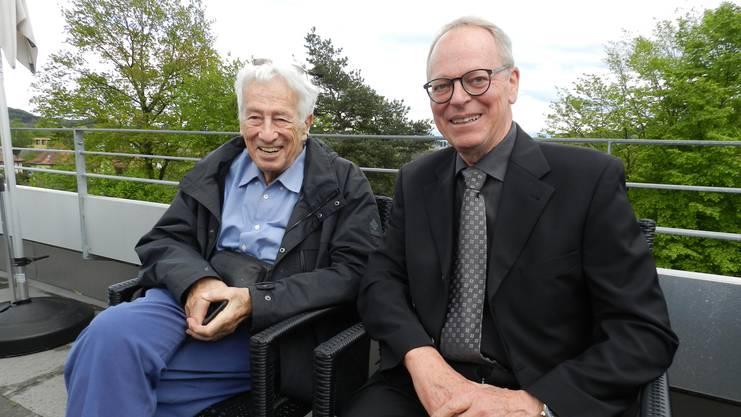 Historische Begegnung: Architekt Christoph Beriger (links) unterhält sich mit dem Festredner Kurt Notter.