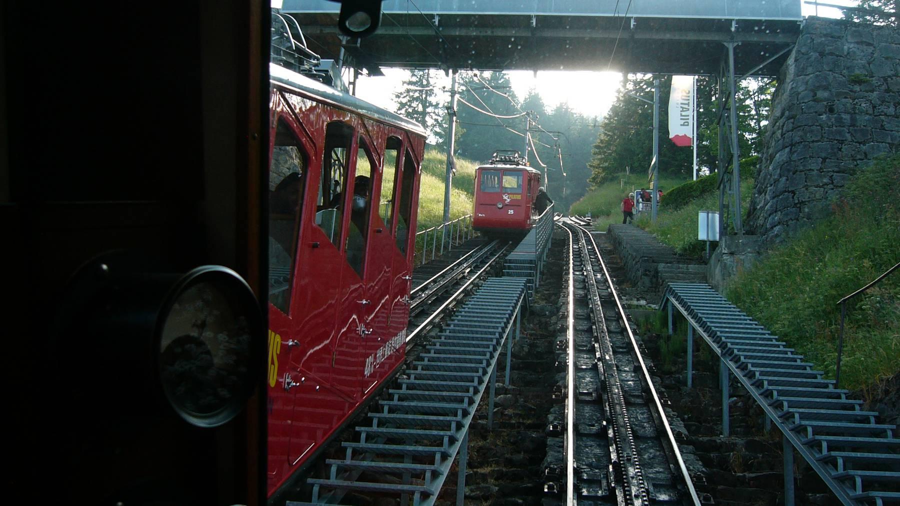 Pilatusbahn von Alpnach Stad auf Pilatus Kulm