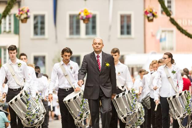 Punkt 8.45 Uhr setzte sich der traditionelle Rutenzug in der Altstadt in Bewegung.