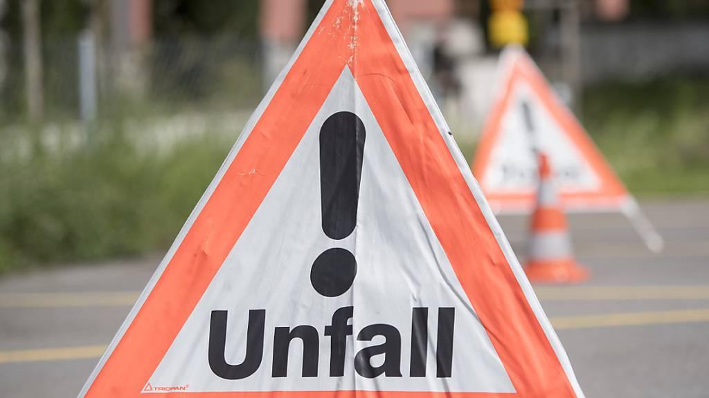 Lieferwagen und Auto kollidieren in Luzern – Autofahrerin verletzt