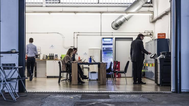 Die vermehrte Arbeit in Co-Working-Spaces wie dem mittlerweile geschlossenen Bureau.D in Dietikon würde viele Probleme lösen, ist André Müller überzeugt.