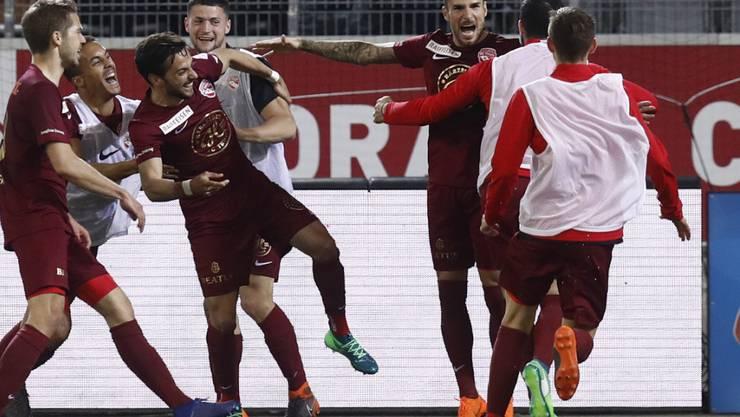 Der FC Thun bejubelt den Siegtreffer von Dejan Sorgic gegen Luzern