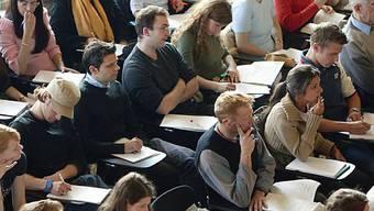 Der Baselbieter Landrat ist gegen einen Numerus Clausus für ausländische Studierende an der Universität Basel. (Archiv)