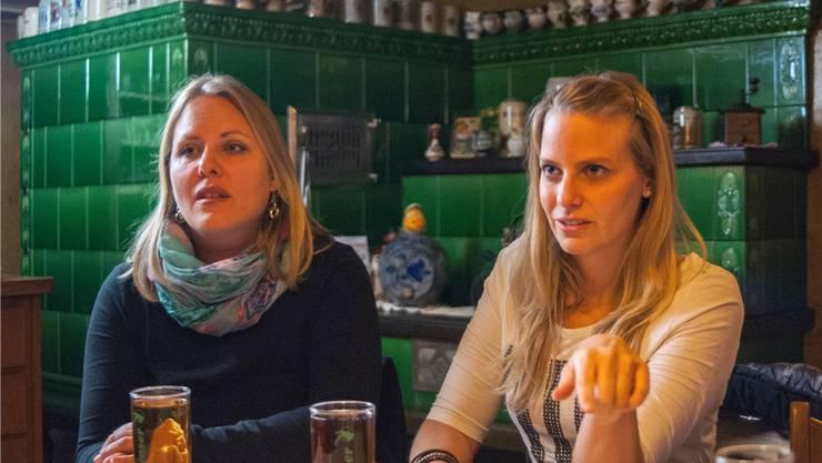 Corinne Brunner-Müller (links) und Jessica Rümmele wollen beide in den Gemeinderat von Baldingen. Damit wird das Dorf von einer Frauenmehrheit regiert werden. bkr