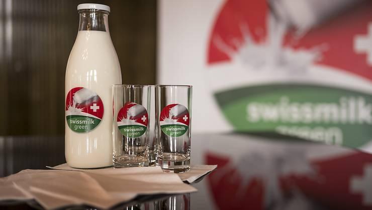 """Das neue Label """"swissmilk green"""" soll die Qualität von Schweizer Milch hervorheben."""