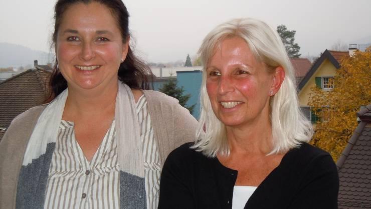 Zwei, die sich über ihre Aufgaben freuen: Annette Grieder (links) führt die Koordinationsstelle Alter Region Brugg/Eigenamt; Irmi Lanter ist Stellenleiterin der Pro Senectute Aargau, Beratungsstelle Bezirk Brugg.  EF.
