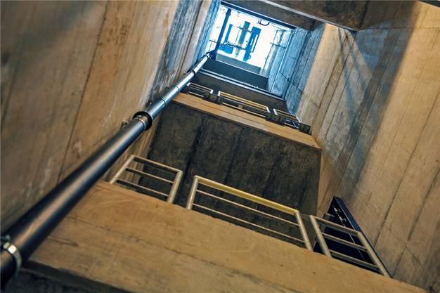 Im Grossbasel angekommen führen die Kabel von 15 Meter unter dem Rhein zurück an die Oberfläche.