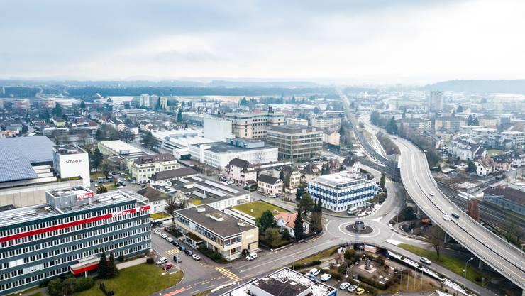 Keine Gemeinde wäre so stark von der Steuervorlage 17 betroffen wie das 8700-Einwohner-Dorf Zuchwil. Hier haben neben bedeutenden Holdingfirmen wie Bosch oder Synthes zahlreiche weitere wichtige Firmen ihren Sitz.