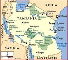 Mit mehr als 56 Millionen Einwohnern ist Tanzania an der Ostküste Afrikas ein relativ dicht besiedeltes Land, mit Dar es Salaam als grösster Stadt und Dodoma im Landesinneren als Hauptstadt. Während der letzten Jahre verzeichnete das Land einen grossen wirtschaftlichen Aufschwung mit durchschnittlich 6 bis 7 Prozent Wachstum pro Jahr. Das Land kämpft jedoch weiterhin mit grossen sozialen Problemen: So leben rund 27 Prozent der Bevölkerung unter der Armutsgrenze. Auch HIV (4.7 Prozent der Bevölkerung) und die Kinderehe (40 Prozent aller Mädchen vor dem 18. Altersjahr) sind grosse Probleme im Land.
