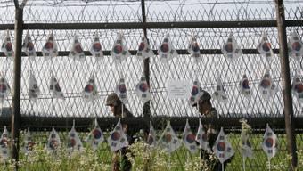 Südkoreanische Soldaten patrouillieren an der Grenze (Archiv)