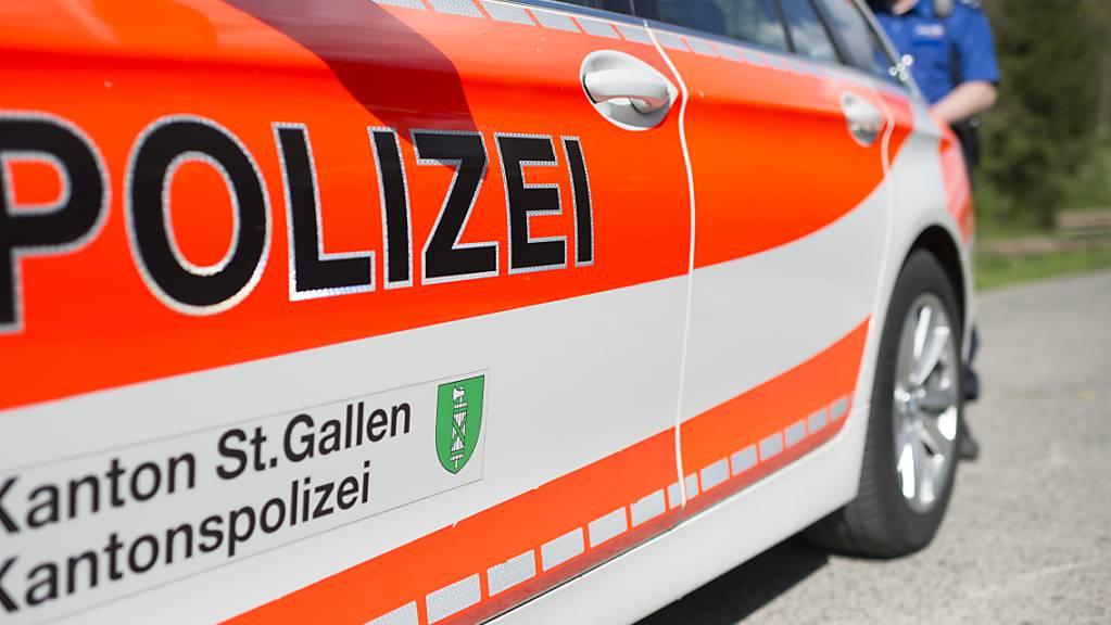 Dienstfahrzeug der Kantonspolizei St. Gallen. (Symbolbild)