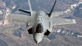 Ein Kampfjet des Typs F-35A im Flug. (Archivbild)