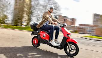 Neu können in Zürich auch E-Scooter gemietet werden.