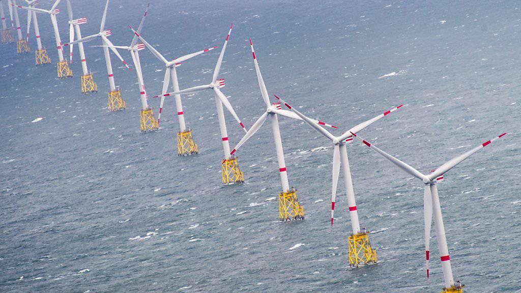 Die meisten Windparks gibt es rund um die Nordsee. Wenn dort aber Flaute herrscht, weht meist in anderen europäischen Regionen ein kräftiger Wind. (Archivbild)