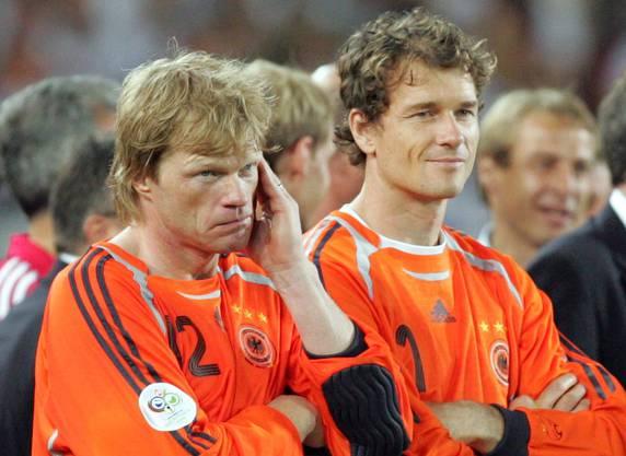 Kahn verärgert, Lehmann erfreut: 2006 besetzte Lehmann (rechts) das deutsche Tor - bis auf eine Partie.