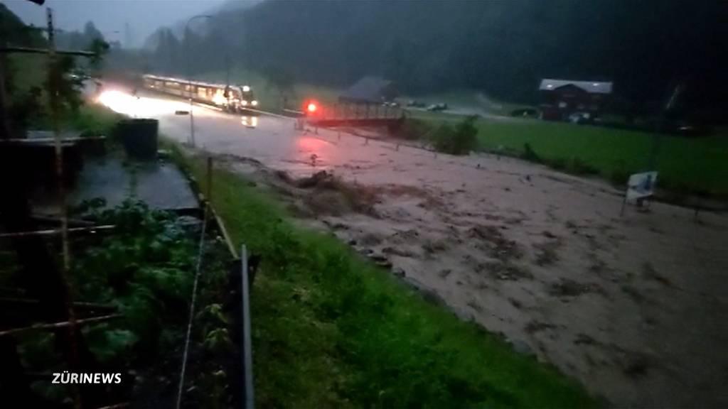 Engelberg unerreichbar: Unwetter ziehen über Nidwalden