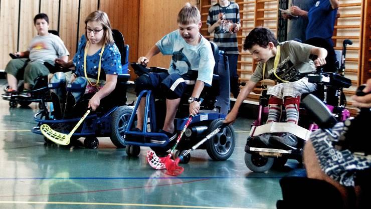 Die Unihockeyspieler der «Zeka-Rollers» beim Training Az Archiv/Christoph Voellmy
