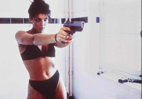 """Das Foto zeigt Raffaela Anderson als Manu in dem französischen Film """"Baise-Moi"""" (""""Fick mich""""). Das Werk stammt von den Regisseurinnen Virginie Despentes und Coralie Trinh Thi."""