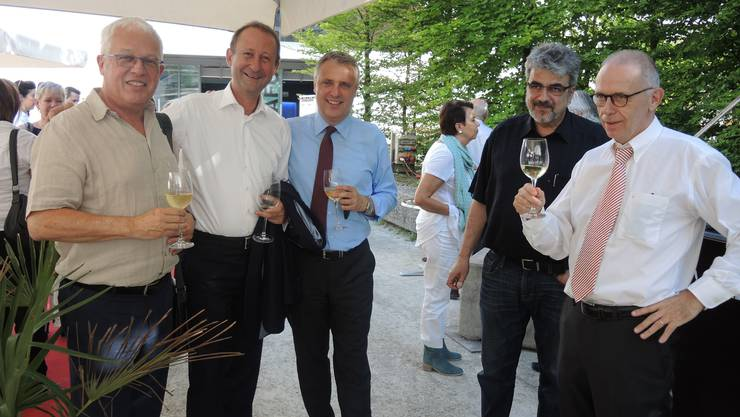 von links Peter Sterk, Roberto Scheuer (Trafo Baden Betriebs AG), Andreas Voser (FDP-Einwohnerrat, UBS, Philippe Rey, Übersetzer und Kulturmanage und Peter Blöchlinger, Stadtcasino AG VR-Präsident